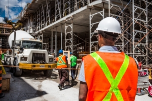 Bauarbeiter - Welches Bosch Radio ist das beste - Beitrag